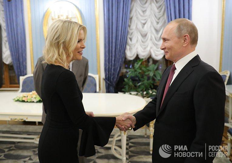 Президент РФ Владимир Путин и журналист американского телеканала NBC Мегин Келли
