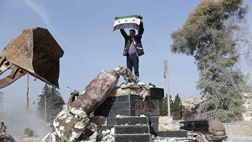 Боец поддерживаемой Турцией Свободной армии Сирии в Африне, Сирия