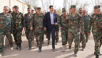 Президент Сирии Башар Асад с солдатами сирийской армии в Восточной Гуте