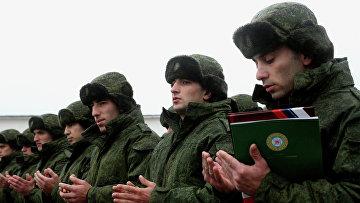 Новобранцы на плацу военного коммисариата Чеченской Республики