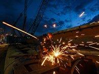Рабочий на строительстве Крымского моста в Керченском проливе. 3 декабря 2017