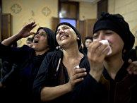 Коптские христиане скорбят о жертвах нападения боевиков на автобус в Египете