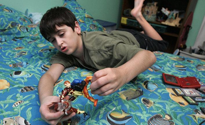 Райан Мэсси, младший их троих братьев в семье, где все дети страдают синдромом Аспергера. Джорджия, США