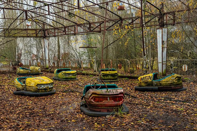 Заброшенный парк развлечений в Припяти