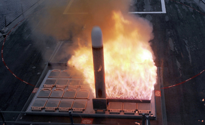 """Запуск ракеты """"Томагавк"""" из установки Mark 41"""