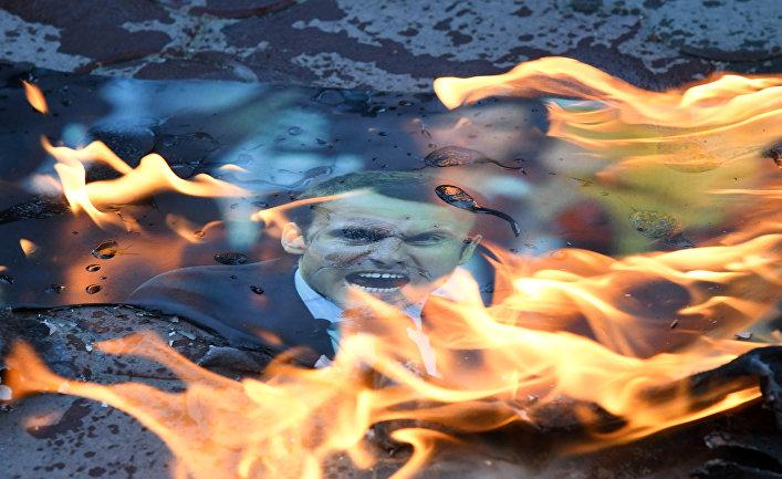 Акция в Симферополе против ракетных ударов по Сирии