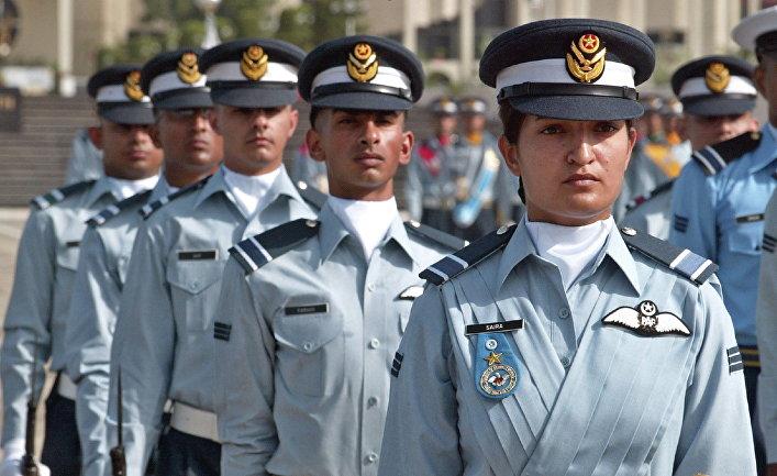 Выпускники летной академии в Рисалпуре, Пакистан