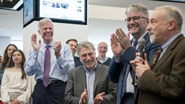 Сотрудники Washington Post празднуют получение пулитцеровские премии