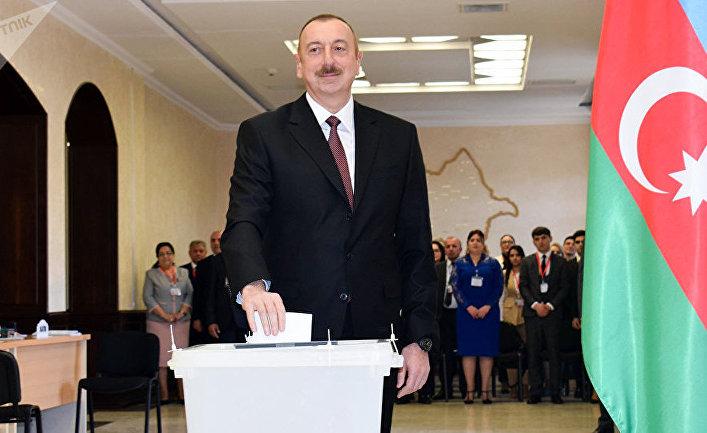 Ильхам Алиев проголосовал на выборах президента Азербайджана