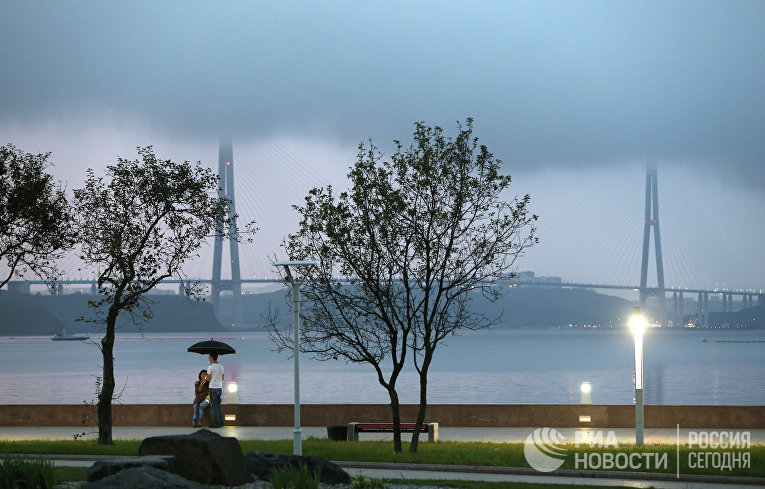 Вантовый мост через пролив Босфор Восточный во Владивостоке