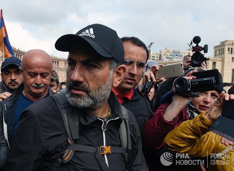 Встреча премьер-министр Армении С.Саргсяна и лидера оппозиции Н.Пашиняна