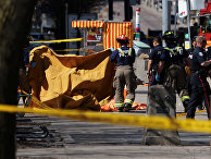 На месте инцидента с наездом фургона на пешеходов в Торонто. 23 апреля 2018