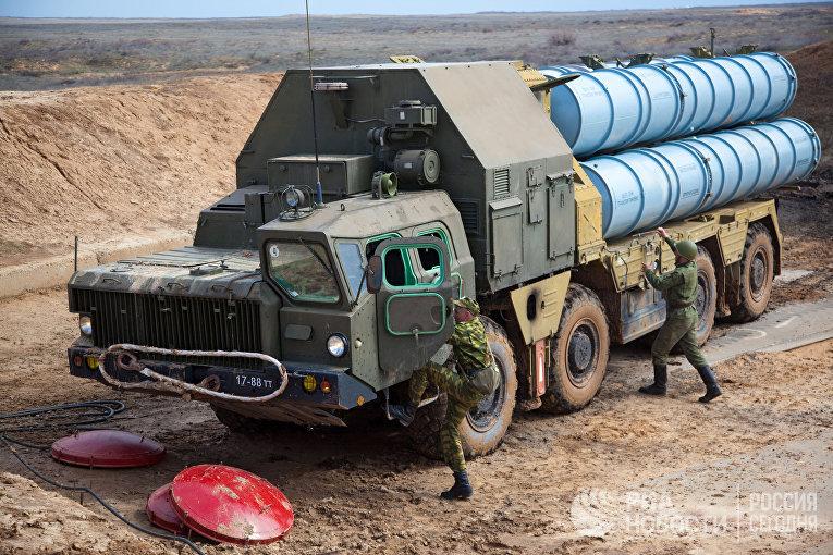 Учения войск ПВО на полигоне Ашулук