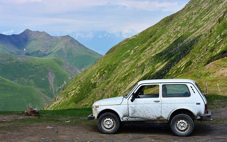 Лада Нива в горах Грузии