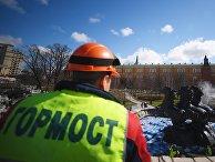 Промывка фонтана «Времена года» на Манежной площади