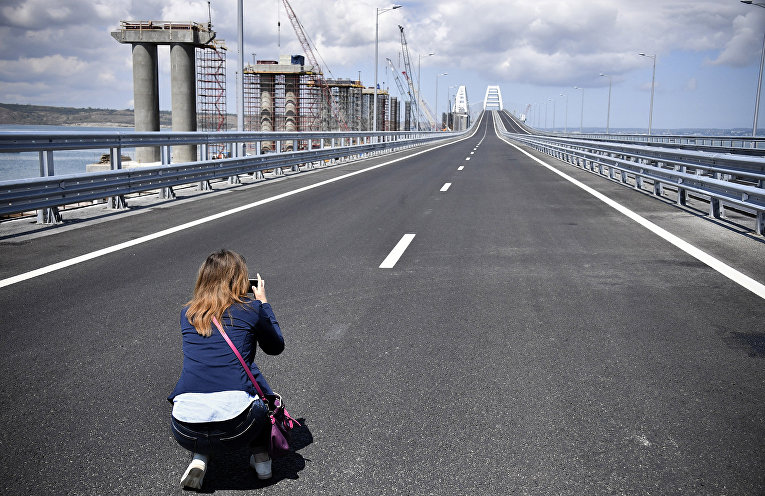 Открытие автомобильного движения по Крымскому мосту