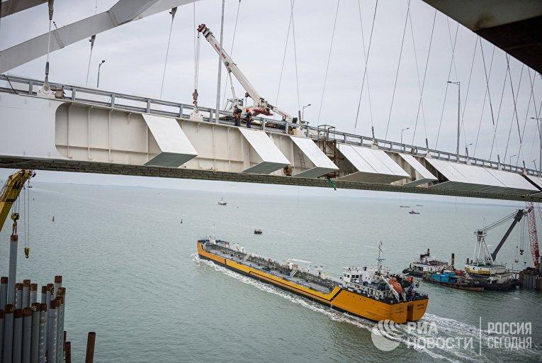Строительство Крымского моста через Керченский пролив