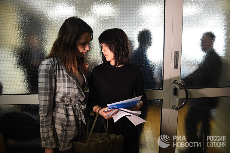 Комиссия Государственной Думы РФ по этике рассмотрела жалобу журналисток на Л. Слуцкого