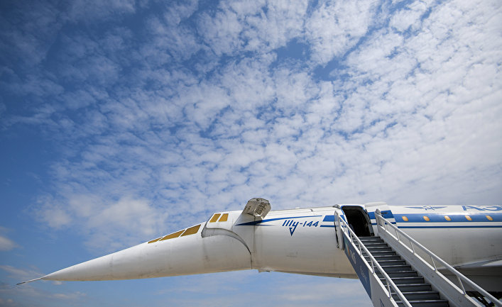 Сверхзвуковой авиалайнер Ту-144, представленный на Международном авиационно-космическом салоне МАКС-2017 в подмосковном Жуковском