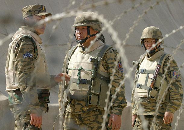Монгольские солдаты на многонациональной военной базе в Хилле, Ирак