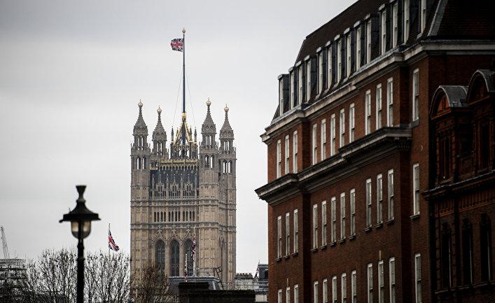Башня Виктории Вестминстерского дворца в Лондоне