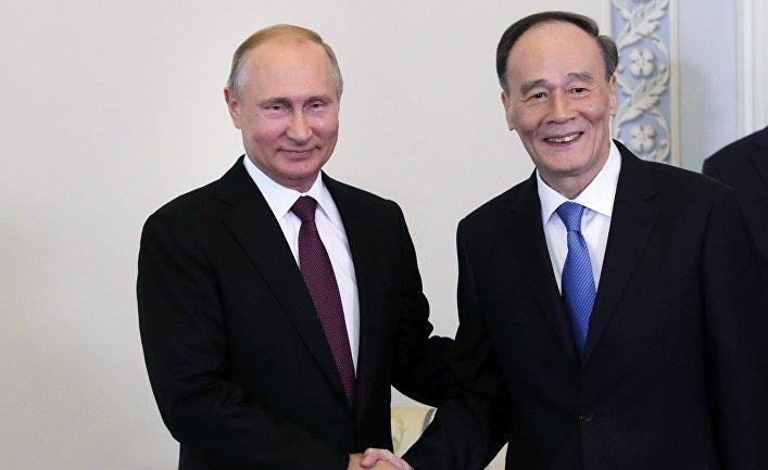 Президент РФ В. Путин принял участие в ПМЭФ - 2018