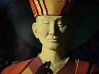 Статуя XII хамбо-ламы Даши-Доржо Итигэлова около Этигэлэ Хамбо Ламын ордон