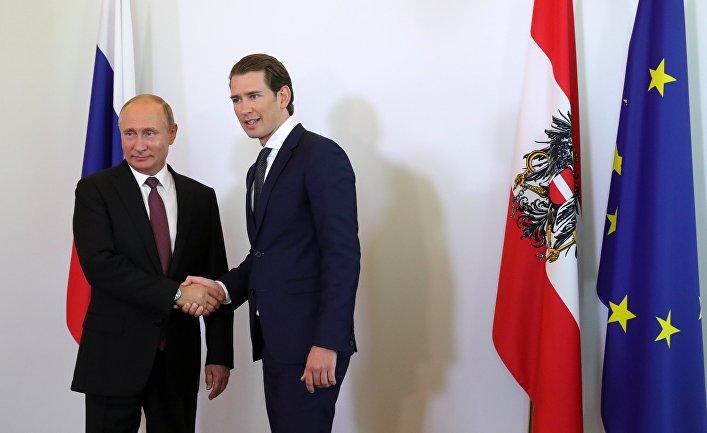 Президент РФ Владимир Путин и Федеральный канцлер Австрии Себастьян Курц во время встречи в Вене