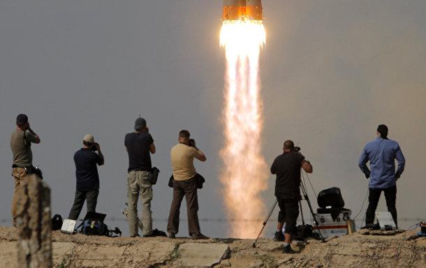 Пуск ракеты-носителя «Союз-ФГ» с пилотируемым кораблем