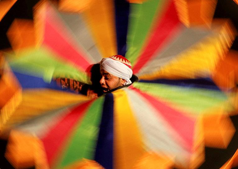Танцы во время Священного поста месяца Рамадан, во Дворце Аль-Гури в Каире
