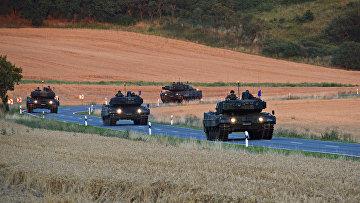 Колона танков «Леопард 2»