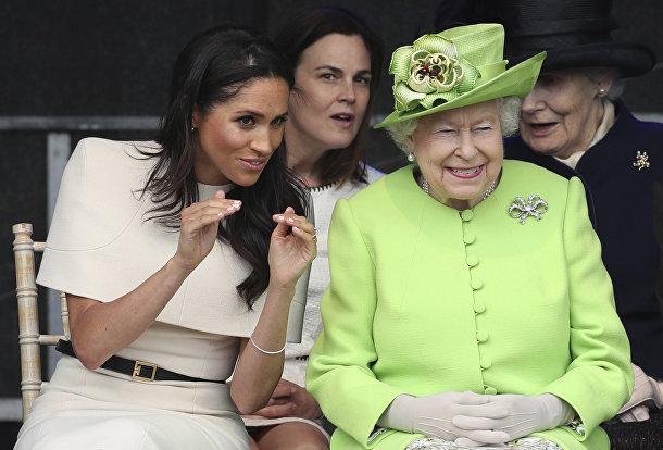 Королева Великобритании Елизавета и Меган, герцогиня Сассекская