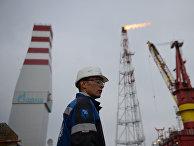 Нефтяная платформа «Приразломная» в Печорском море