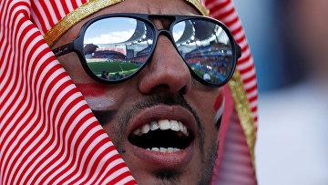Болельщик сборной Египта во время матча группового этапа чемпионата мира по футболу между сборными Египта и Уругвая
