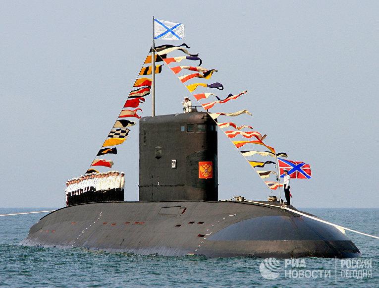 """Дизельная подводная лодка проекта """"Варшавянка"""""""