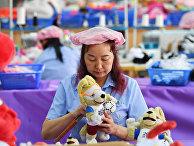 Производство продукции к ЧМ-2018 в городе Дунгуань, провинция Гуандун, Китай