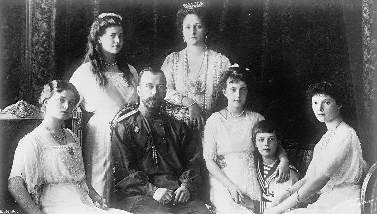 Великая Княгиня Ольга, Великая Княгиня Мария, Николай II, Александра, Великая Княгиня Анастасия, Царевич Алексей, Великая Княгиня Татьяна