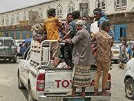 Беженцы из Ходейды прибывают в Сану, Йемен
