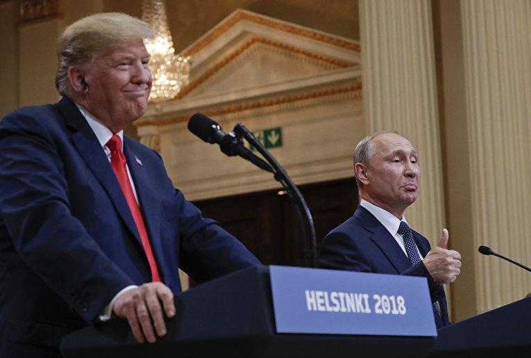 Дональд Трамп и Владимир Путин на совместной пресс-конференции