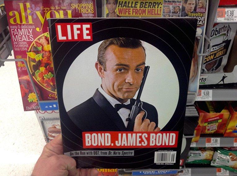 Шон Коннери в роли Джеймса Бонда на обложке Life