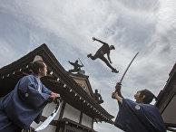 Мастер паркура Джесйон Пол убегает от самураев и ниндзя в японском парке развлечений Edo Wonderland
