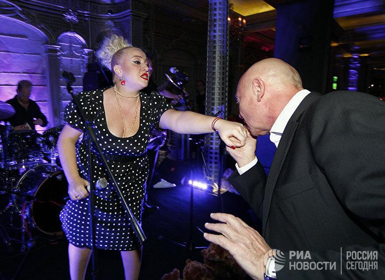 """Благотворительный вечер """"Хорошее Мероприятие 2011"""""""