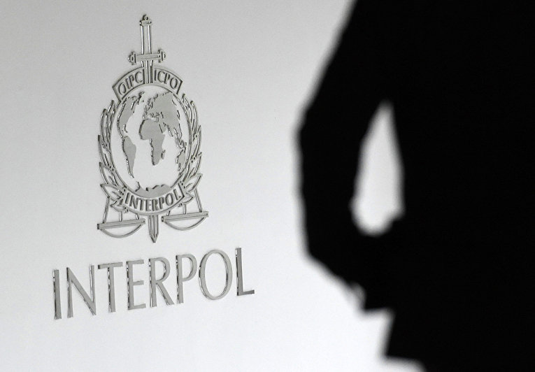 Логотип Интерпол