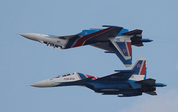 Истребители Су-30 пилотажной группы «Русские Витязи»