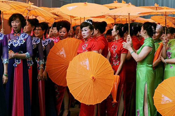 Участники культурной выставки в китайском городе Куньмине