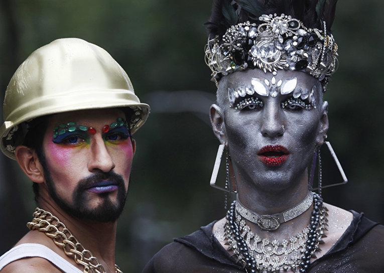 Участники ежегодного гей-парада в Мехико, Мексика