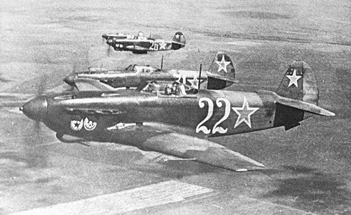 Самолет-истребитель Як-9