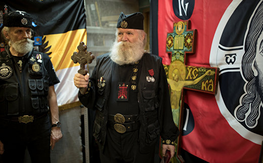 Русские православные националисты надеются на возвращение царя