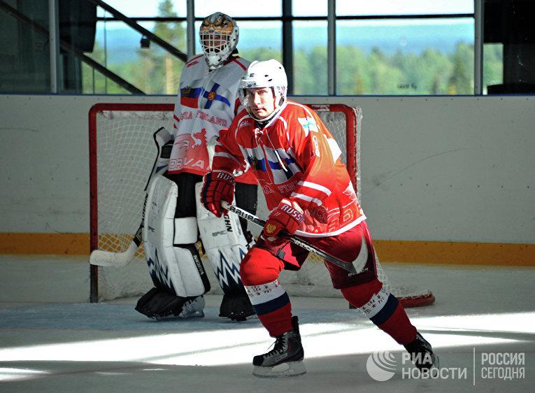 В.Путин и С.Ниинисте приняли участие в дружеском матче