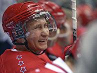Президент РФ В.Путин принял участие в гала-матче турнира Ночной хоккейной лиги